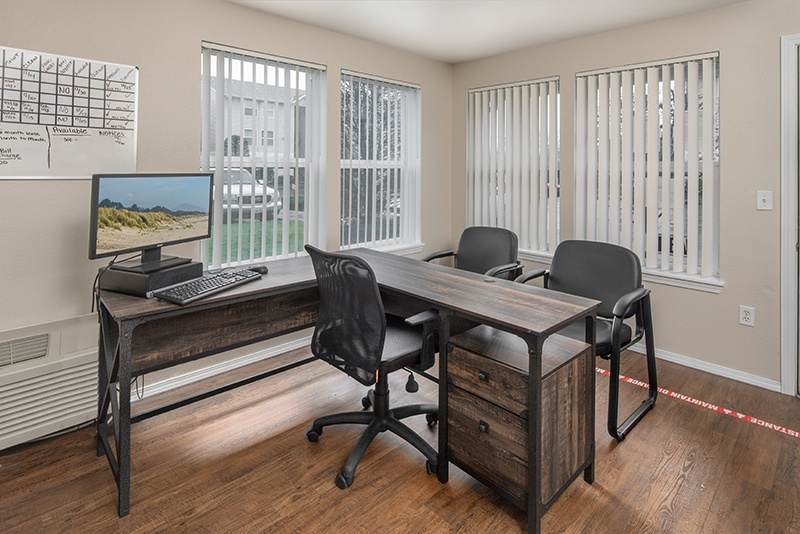 Leasing office desk