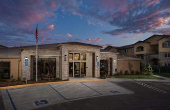 1900 Blue Oaks Boulevard 1-3 Beds Apartment for Rent Photo Gallery 1