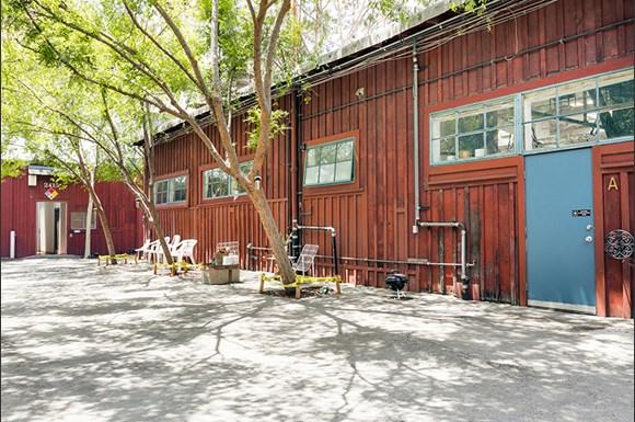 Santa Fe Art Colony Apartments 2349 S Sante Fe Avenue B Los Angeles Ca Rentcafe