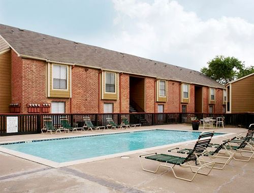 Swimming Pool at Villa Ana in Houston, TX