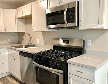 181 AVRAM AVENUE 3 Beds Apartment for Rent Photo Gallery 1