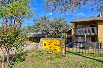 1370 S. Rigsbee Dr. 1-3 Beds Apartment for Rent Photo Gallery 1