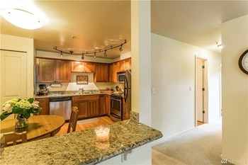 14110 N.E. 179Th Street 1-2 Beds Apartment for Rent Photo Gallery 1