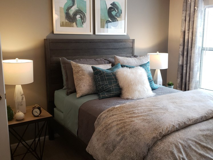 Classic Bedroom at Brook Valley Apartments, Georgia, 30135