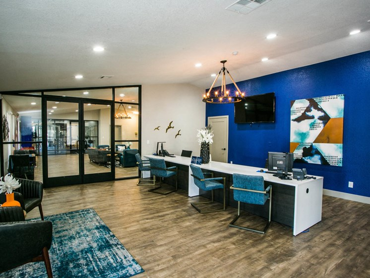 Accent on Sahara Leasing Center