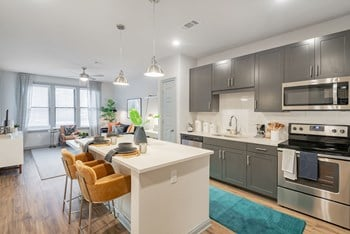 601 Meeting Street Studio-2 Beds Apartment for Rent Photo Gallery 1