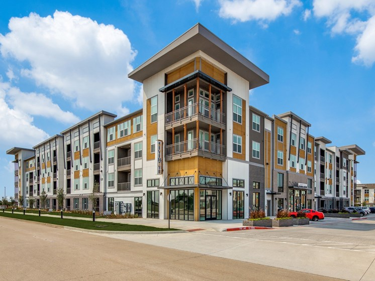 Pet-Friendly Apartments in Wylie, TX - Seventy8 and Westgate Exterior with Convinent Parking in a Welcoming Neighborhood