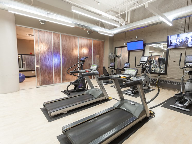 Large Fully-Equipped Fitness Center
