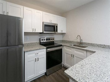 4117 SW 20Th Avenue 1 Bed Apartment for Rent Photo Gallery 1