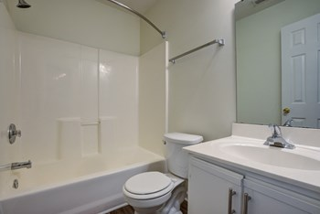 423 West Butler Rd. 2-3 Beds Apartment for Rent Photo Gallery 1