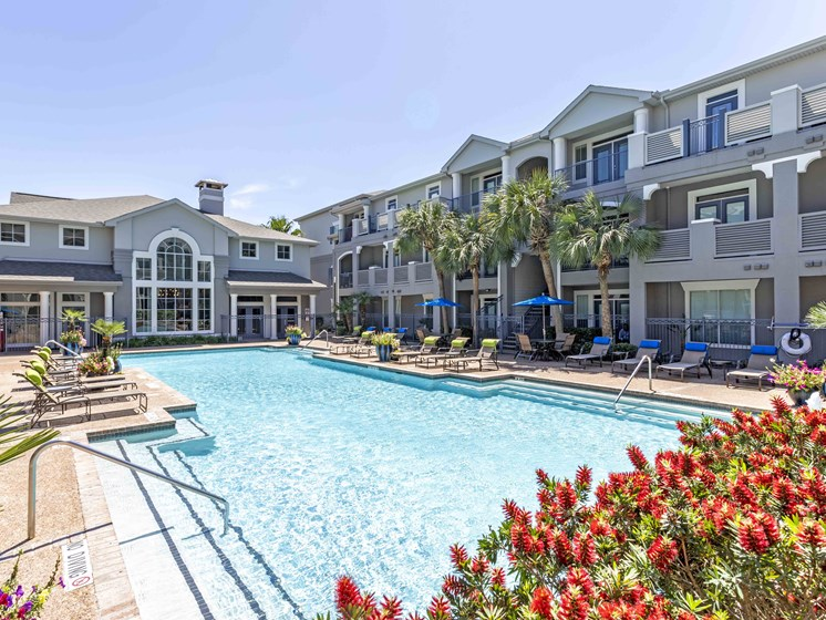 Swimming Pool With Relaxing Sundecks at Kirby Place Apartments, Texas