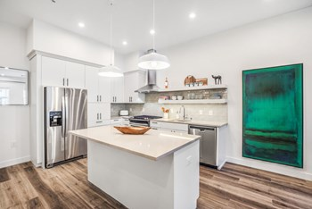 250 South City Pkwy Studio-2 Beds Apartment for Rent Photo Gallery 1