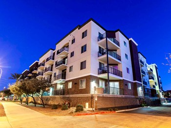1275 E University Dr 2-3 Beds Apartment for Rent Photo Gallery 1