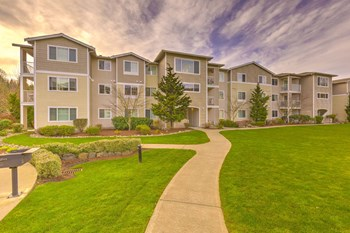 15300 SE 155Th Place 1-3 Beds Apartment for Rent Photo Gallery 1