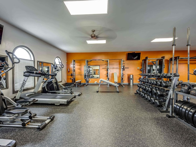 24-Hour Fitness Center With Free Weights at Smoky Crossing Apartments, Tennessee, 37865
