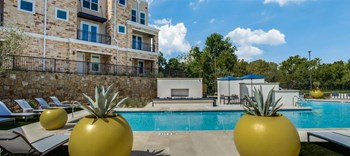 4501 N Garland Ave 1-3 Beds Apartment for Rent Photo Gallery 1