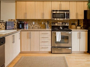 7000 NE 186Th Place #102 2 Beds Apartment for Rent Photo Gallery 1