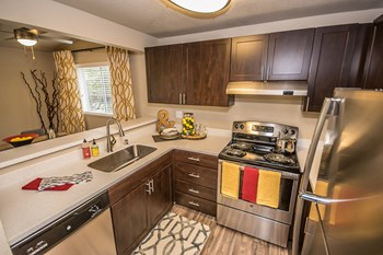 4901 Fairwood Blvd. NE 1-3 Beds Apartment for Rent Photo Gallery 1