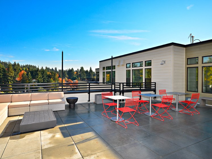 Roof Top Deck at Emerald Crest, Bothell, WA 98011
