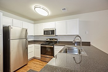 215 William Penn Plaza 1-3 Beds Apartment for Rent Photo Gallery 1