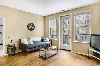 1212 West Lake Street 1 Bed Apartment for Rent Photo Gallery 1