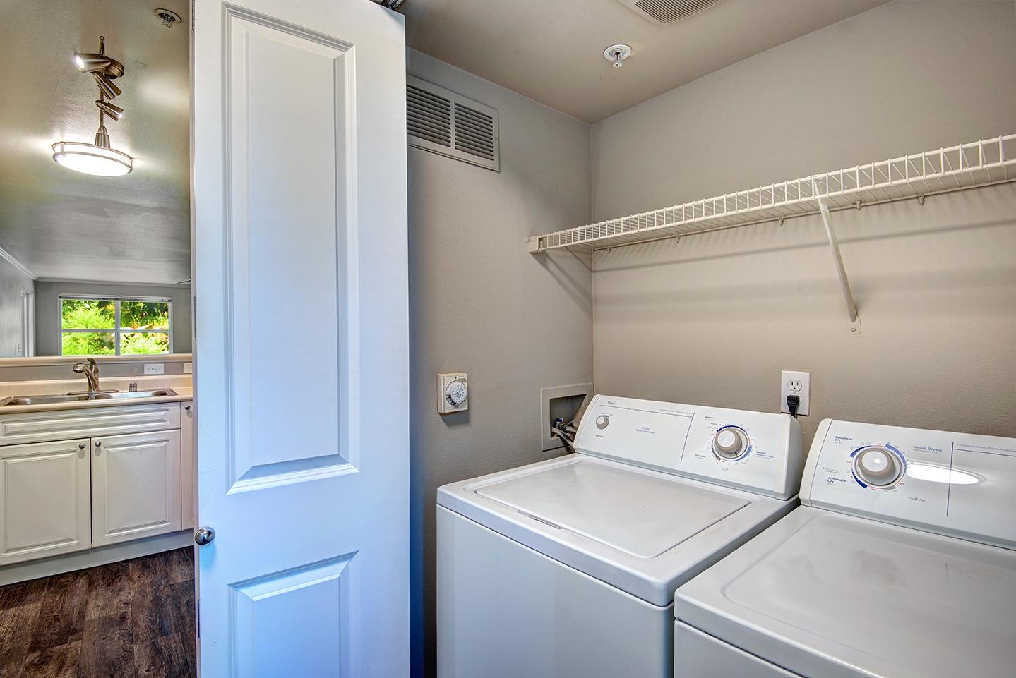 Full-size Washers & Dryers