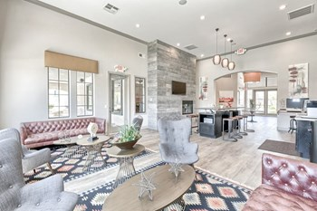 6655 Boulder Highway 1 Bed Apartment for Rent Photo Gallery 1
