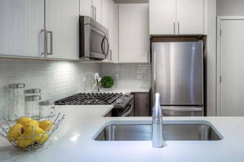 2760 S Highland Ave Studio Apartment for Rent Photo Gallery 1