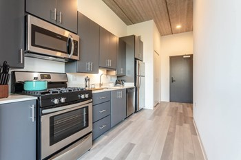710 W. 14Th Street Studio-2 Beds Apartment for Rent Photo Gallery 1