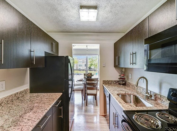 Modern Kitchen at Carriage Hill Apartments in Hamilton, OH