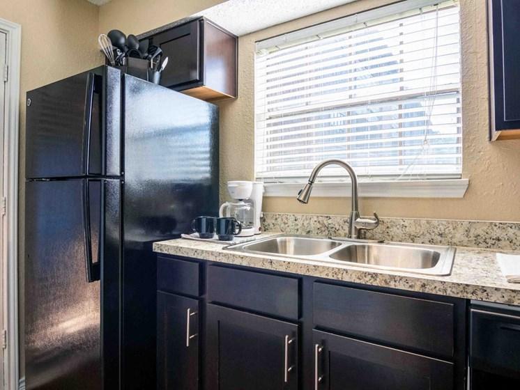 Apartments in Longview, TX kitchen