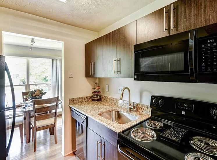 Apartments in Hamilton OH with large kitchen