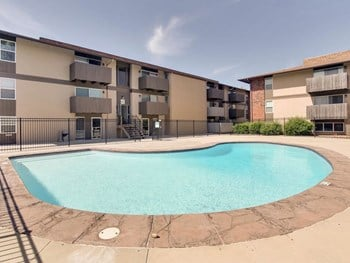 632 S. Eastern 3 Beds Apartment for Rent Photo Gallery 1