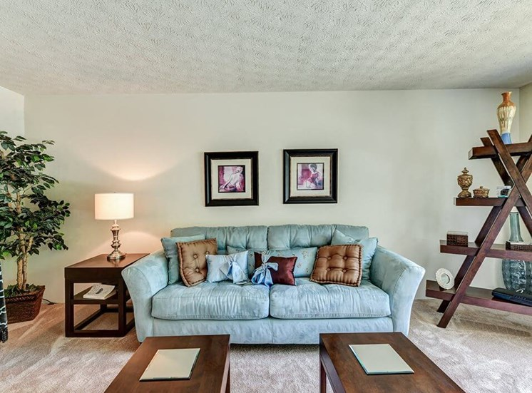 Apartments in Hamilton, OH Living Room