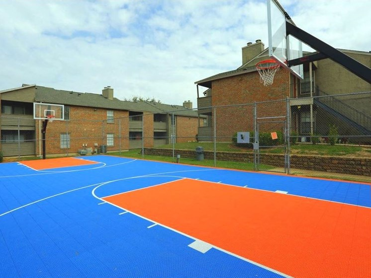 Apartments in Longview, TX basketball court