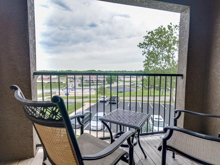 Kansas City MO apartments with balconies