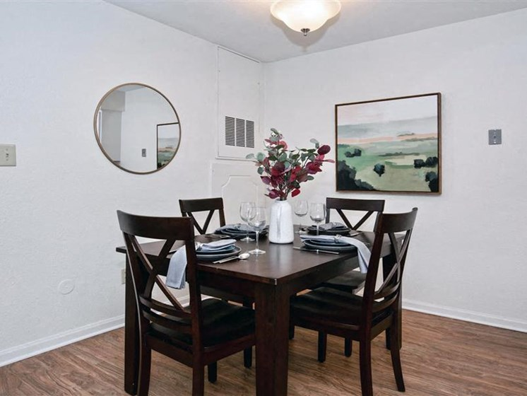 Dining Area at Village Woods Apartments in Milan, IL