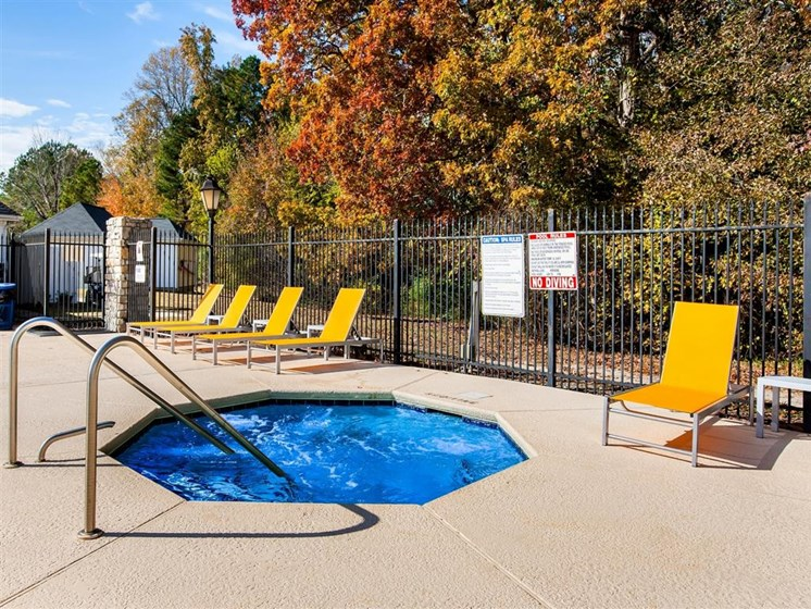 hot tub at carver falls apartments fayetteville