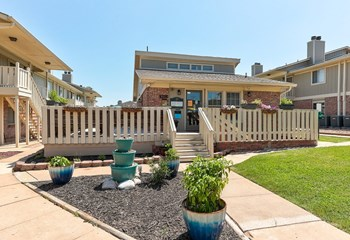 200 S Woodlawn Blvd 1-2 Beds Apartment for Rent Photo Gallery 1