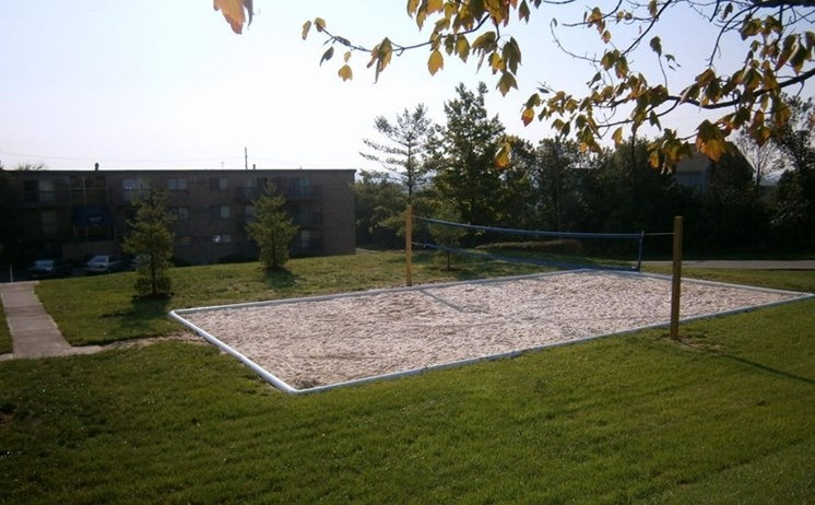 Springdale, Ohio apartments with volleyball court