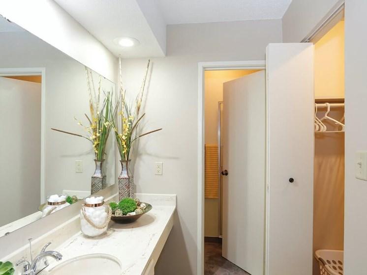 large bathrooms at Kansas City MO Apartments
