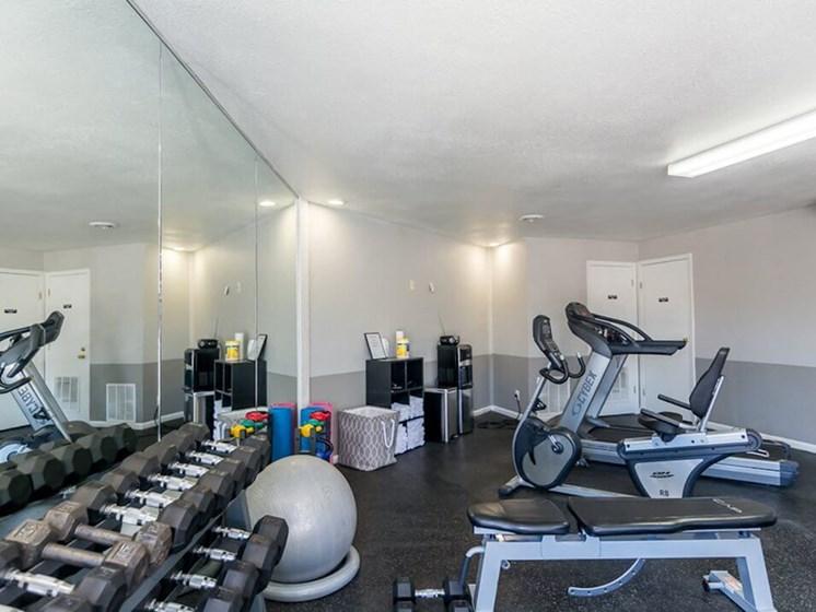 Kansas City MO apartments with fitness center