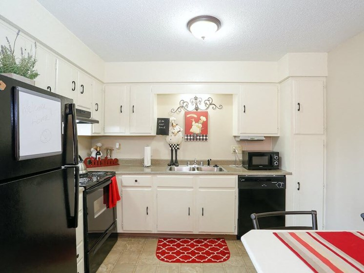 Kansas City MO apartments kitchen