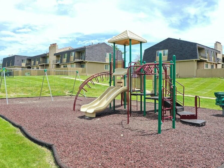 playground at the Oaks at Prairie View