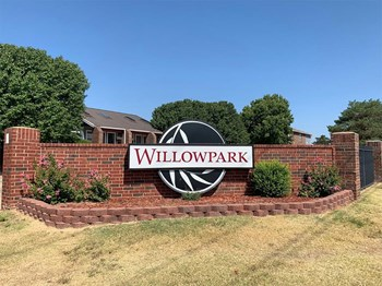 6701 NW Maple Drive 1-2 Beds Apartment for Rent Photo Gallery 1
