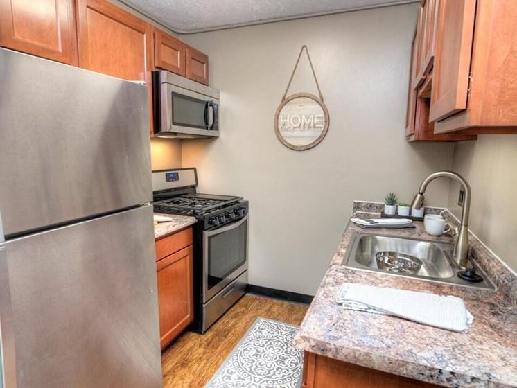 apartment kitchen in Lakecrest Apartments