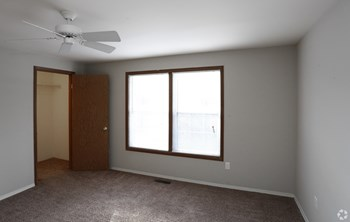 2375 Eagle Ridge Dr. 1-2 Beds Apartment for Rent Photo Gallery 1
