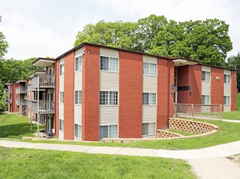 2040 Glass Road NE 1-2 Beds Apartment for Rent Photo Gallery 1