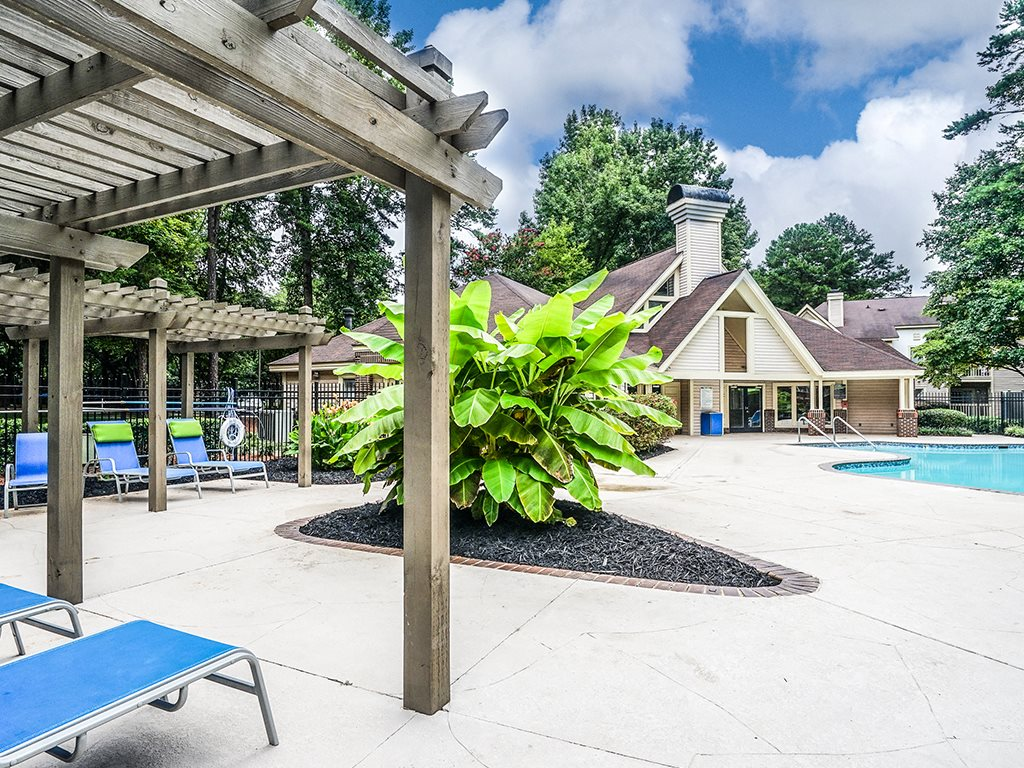 1700 Place Swimming Pool Deck