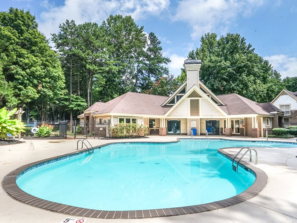 1700 Place Swimming Pool